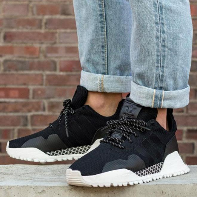 adidas H.F/1.4 Primeknit Sneakers In BY9395 DhVvE0
