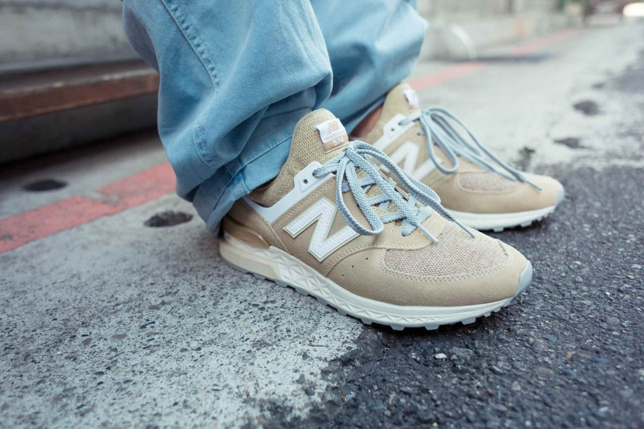 new balance 574 beige white