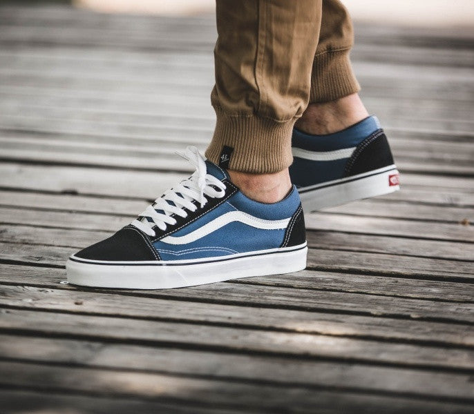 vans old skool classic sneakers in black