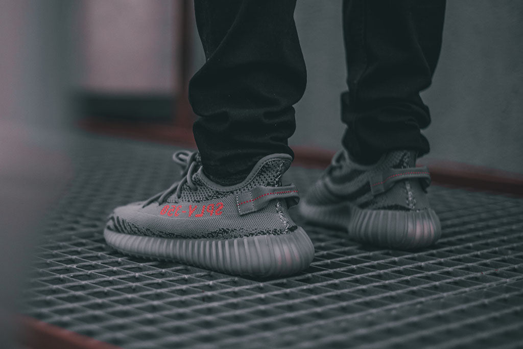 Black Yeezy 350 v2 'Red vs. Green vs Copper' Review \\ \\ u u 2626