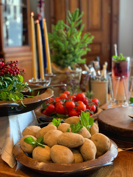 Setting a festive Christmas Table blog