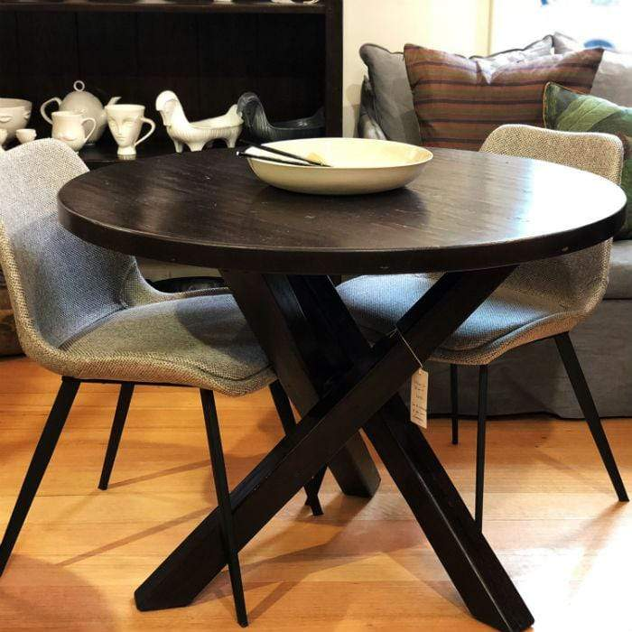Santa Fe Round Dining Table in Oak | Cranfields Wellington