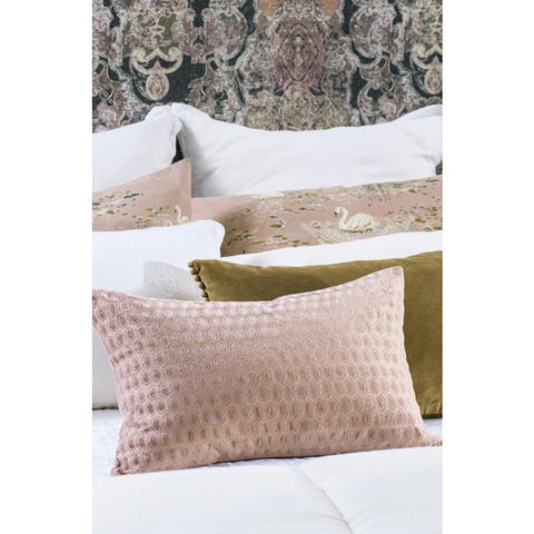 Bianca Lorenne Lilypad Cushion / Dusty Pink
