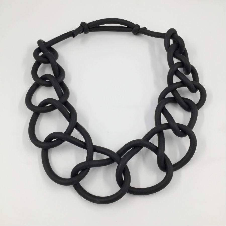 Black Neo Circular Link Necklace | Black