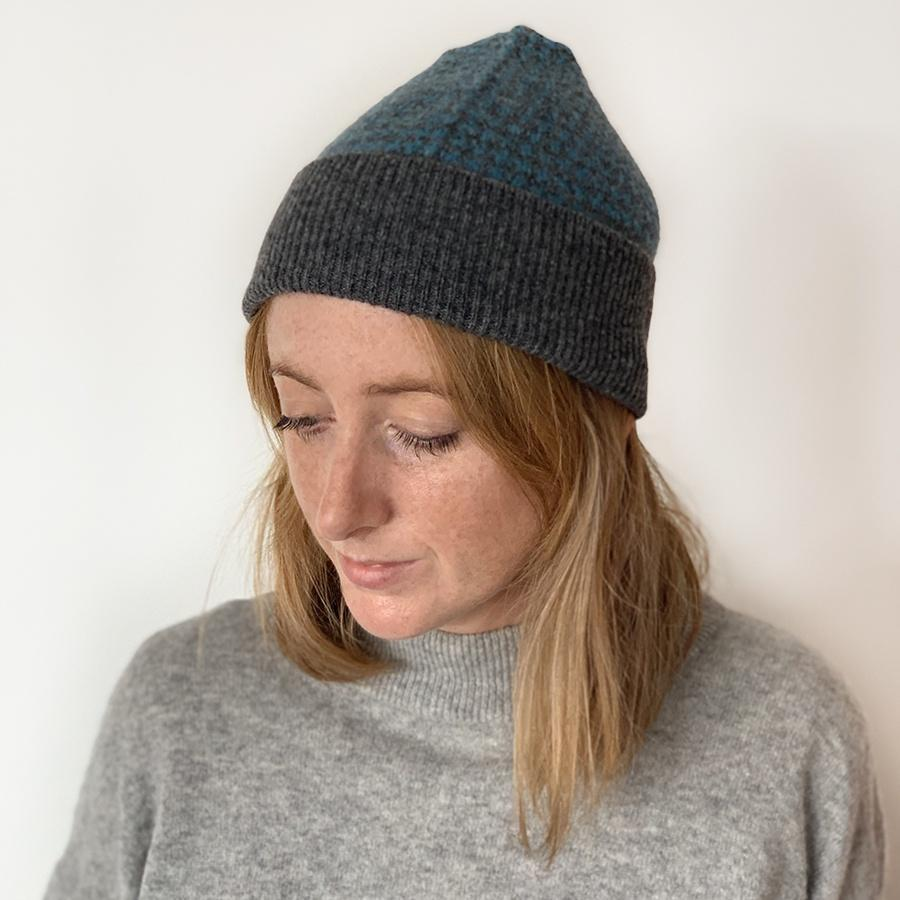 Lambswool Awe Hat - Blue