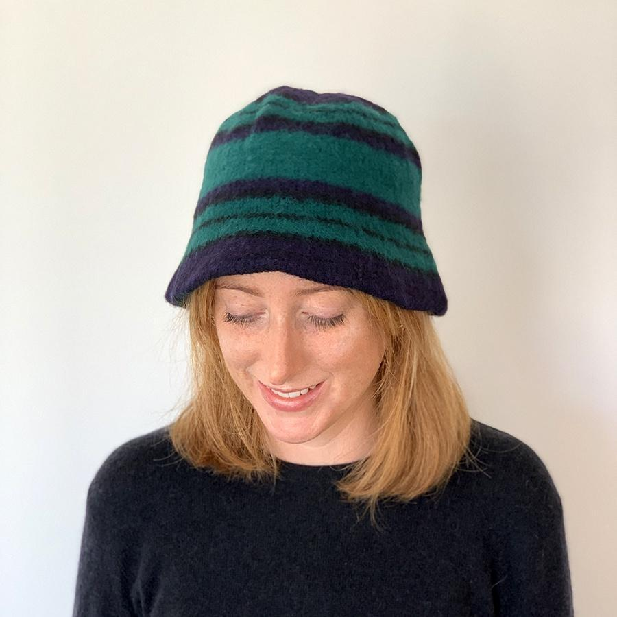 Lambswool Tartan Cloche Hat | Black Watch