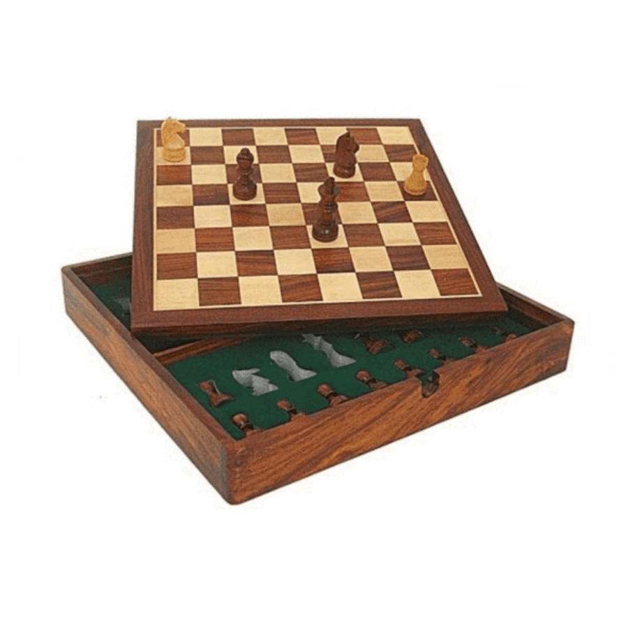 Magnetic wooden chess set with box