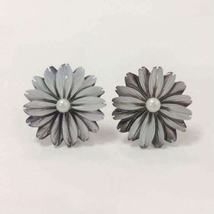 Simply Italian Pearl Flower Earrings (small )