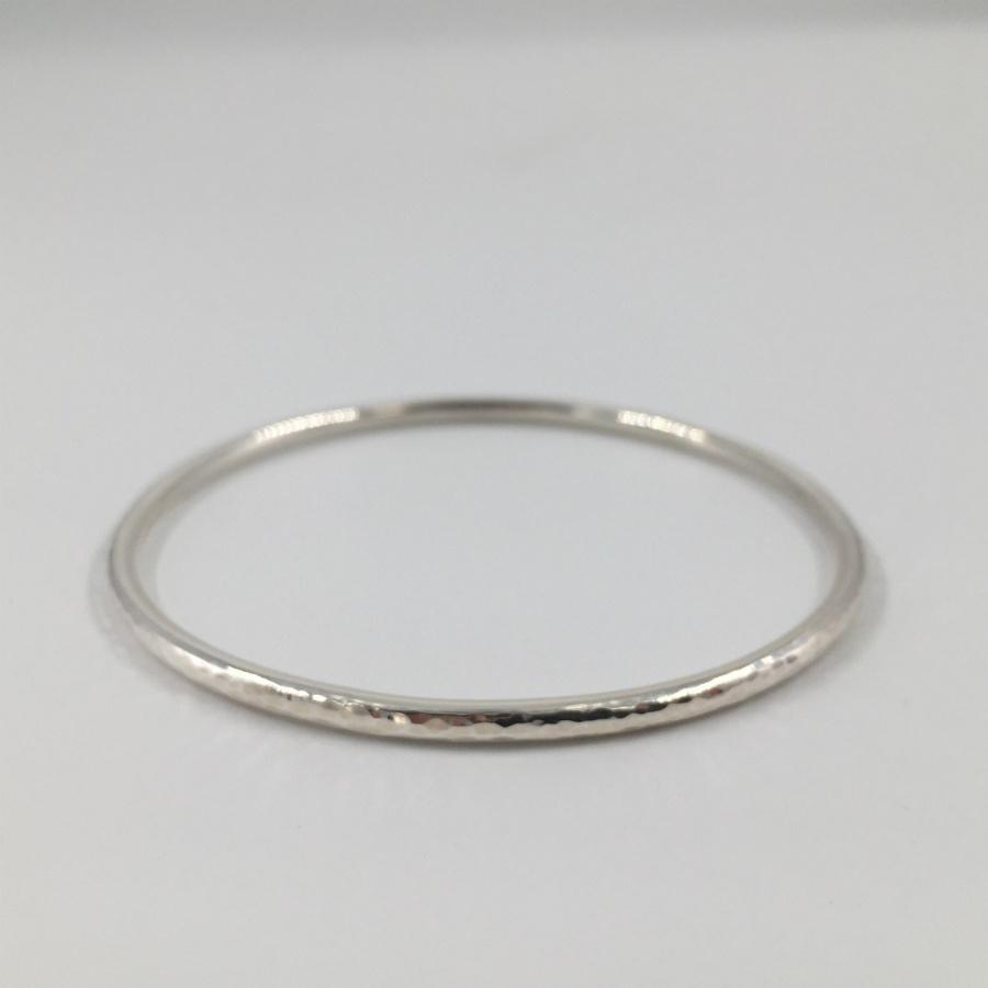 Zoe Porter Silver Hammered Bangle / Slim