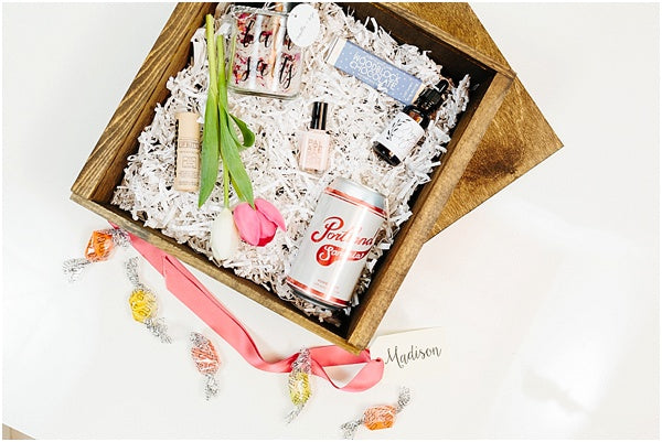 How Much To Pay For A Wedding Gift: How To Welcome Out Of Town Wedding Guests With A Custom
