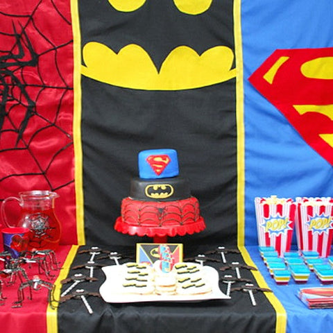 Super hero party table