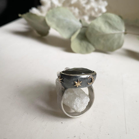 art ring midnight lake star and moon labradorite ring
