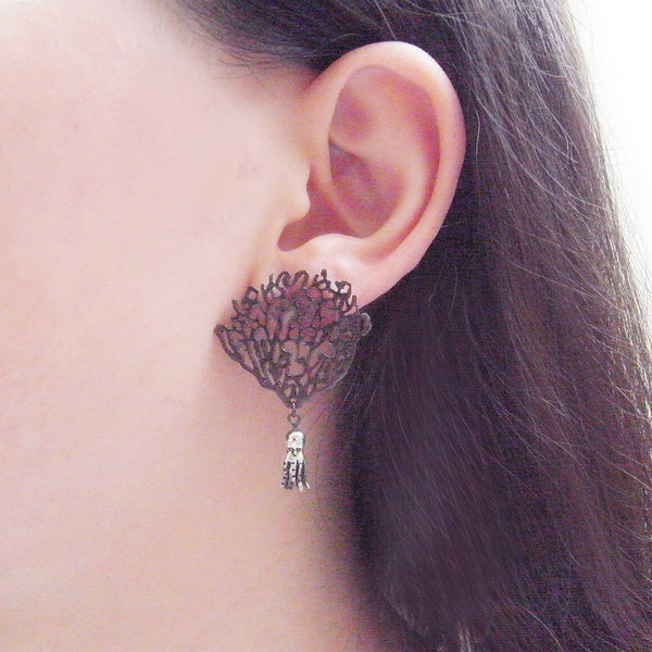 MOMOCREATURA Black Coral & Octopus Single Earring Silver on Model