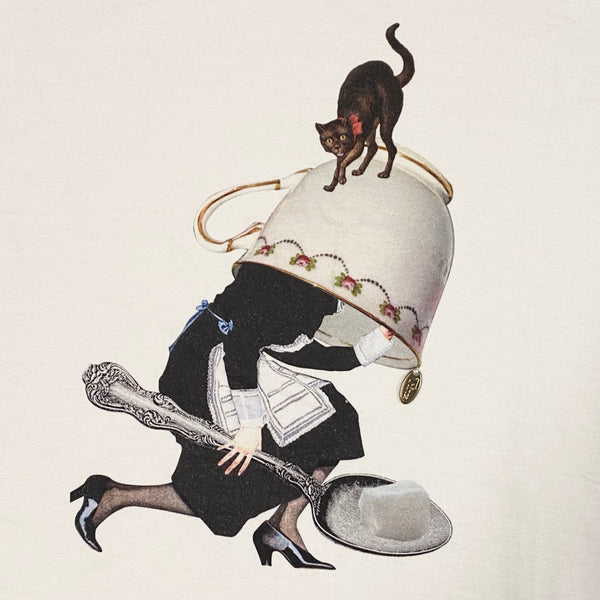 Trinca Unplusun / Over-sized Tea cup maid T-shirt