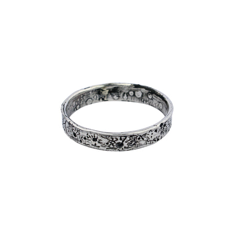 Moon crater ring 4mm Silver