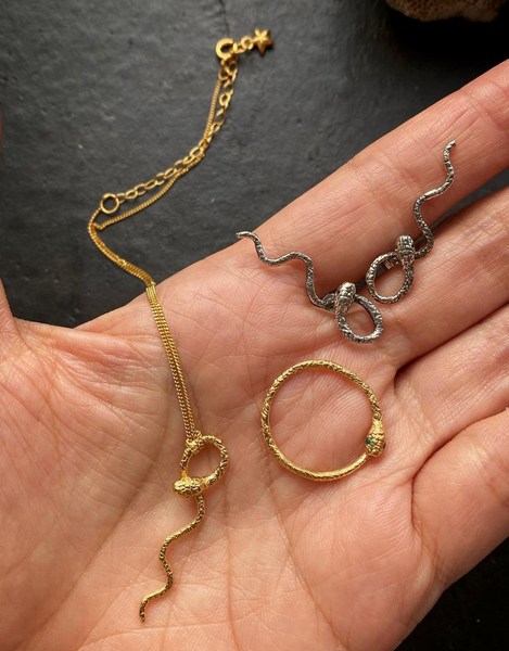 Wavy Snake Necklace Gold