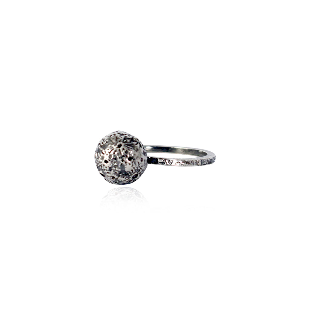Moon sphere ring