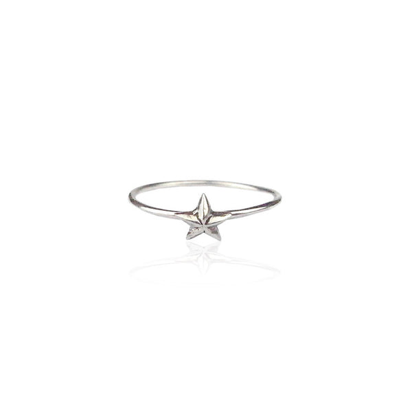 Tiny Star Ring Silver