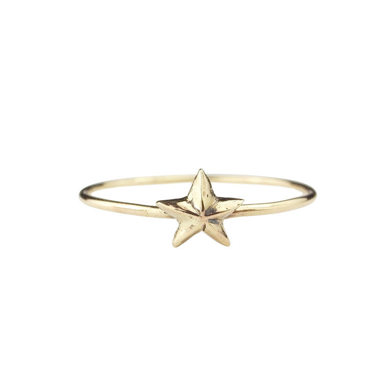 Tiny Star Ring 9ct Yellow God