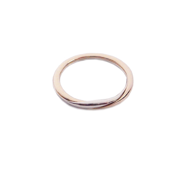 MOMOCREATURA bi-colour 9k gold gimmel ring