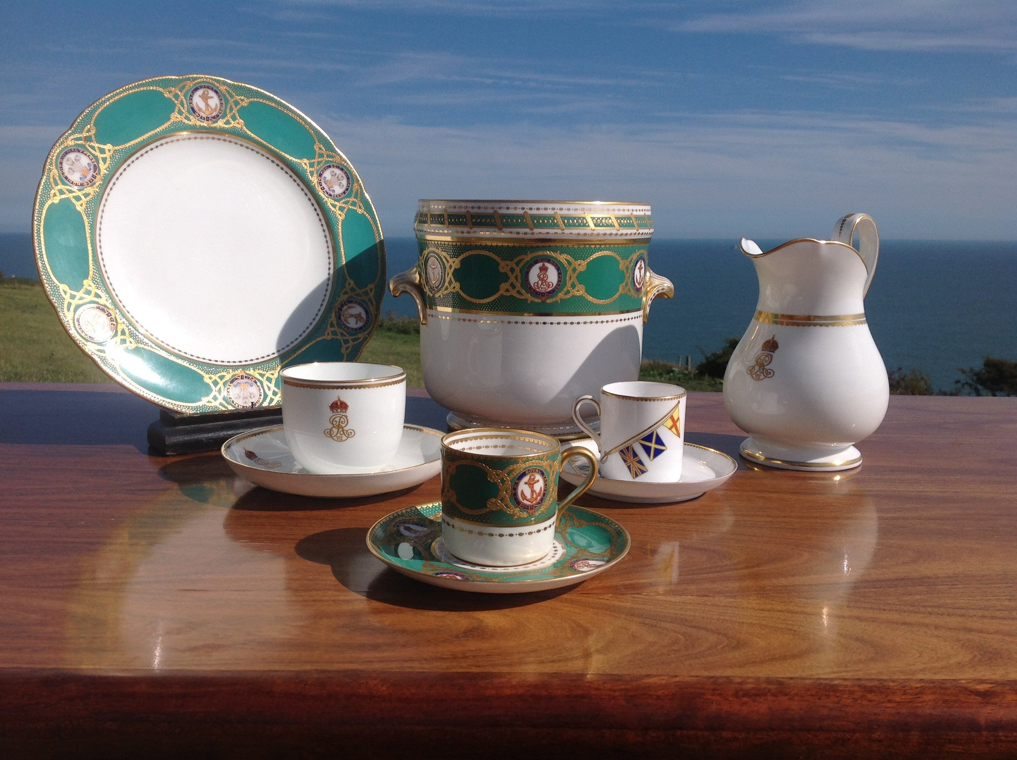 Royal Yacht Victoria & Albert III State dinner service King Edward VII George V