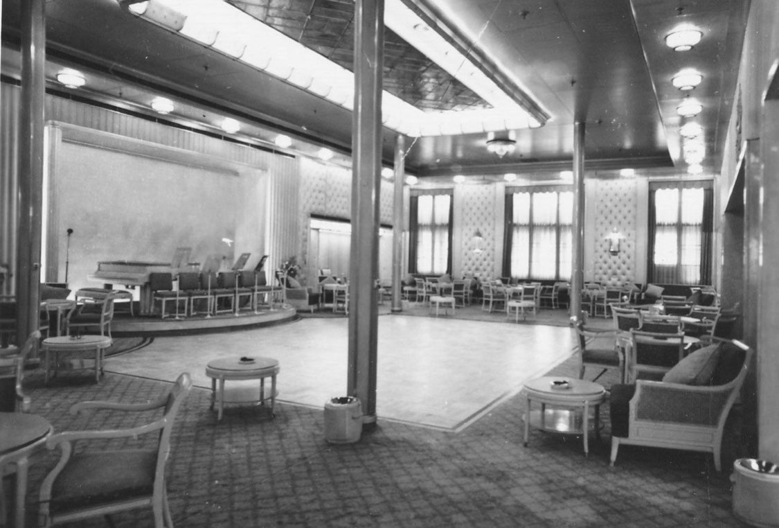 Cunard white star line rms Queen Elizabeth First Class Ballroom bergere art deco chairs, c-1938.