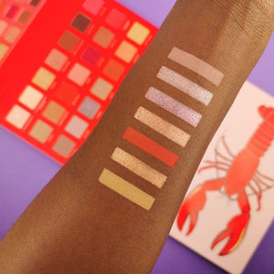 MAKEUP REVOLUTION X Friends He's Her Lobster Eyeshadow Palette