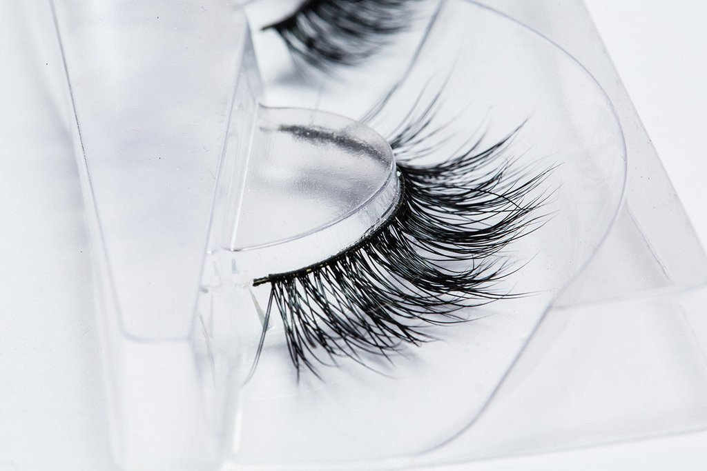 LILLY LASHES - Luxe