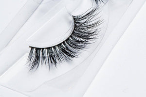 LILLY LASHES - Tease