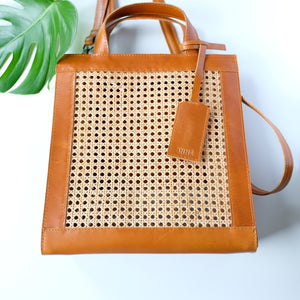 VERA Sia Solihaya Tote in Tan Leather