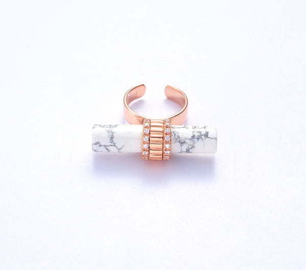 Ora with Howlite in Rose Gold