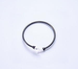 Piek Bangle in Black Gold and Howlite