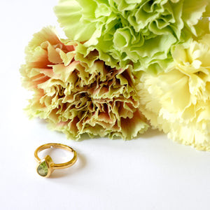 VERA Generosity Ring in Peridot