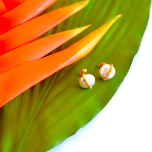 VERA Bolita Coin Pearl Earrings