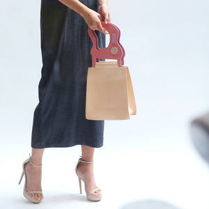 VERA Mana Leather Handbag