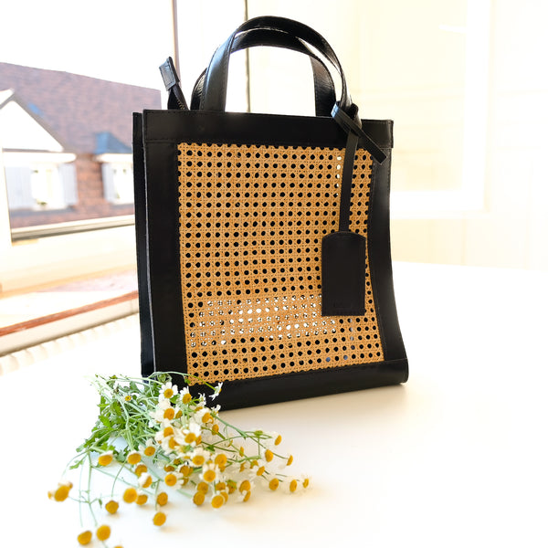 VERA Sia Solihaya Tote in Black Leather