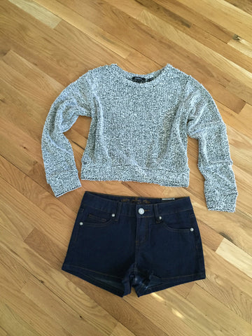 Cropped Light Weight Knit Sweater - Magnolia Tomboy - 1