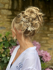 wedding hair, hair vine, wedding hair trends 2019