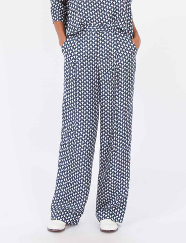 Harriette Pant Herend Print