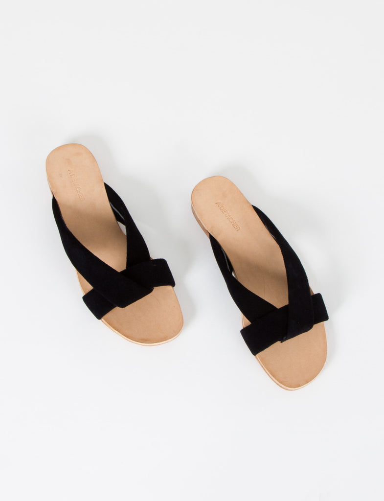 Pipit Sandal Suede