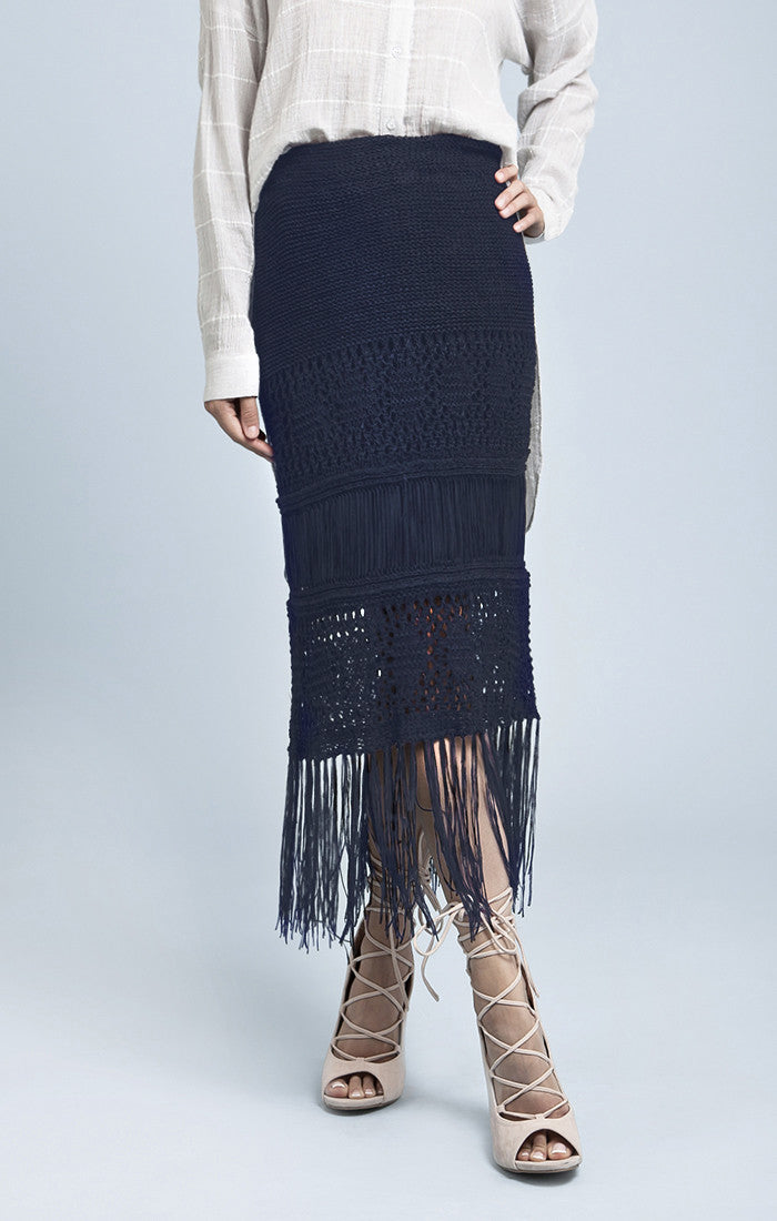 FRINGED SWEATER SKIRT