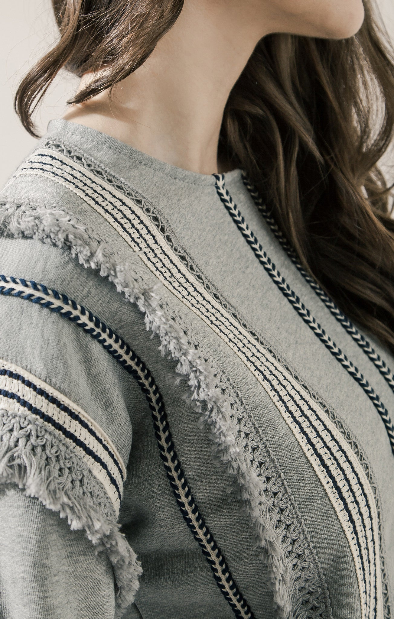 TRIM DETAIL FRENCH TERRY TOP