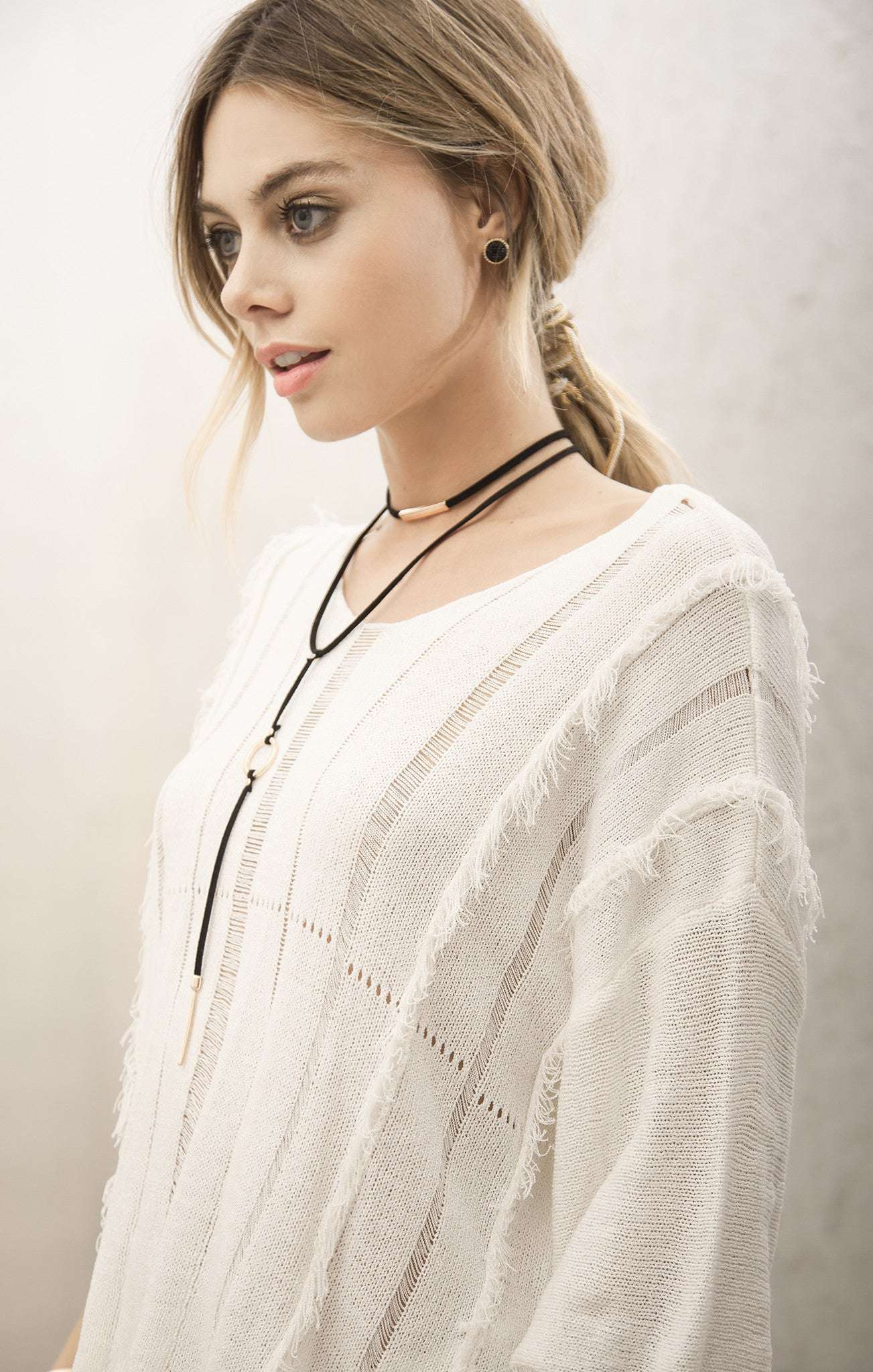 LIGHT SWEATER TOP