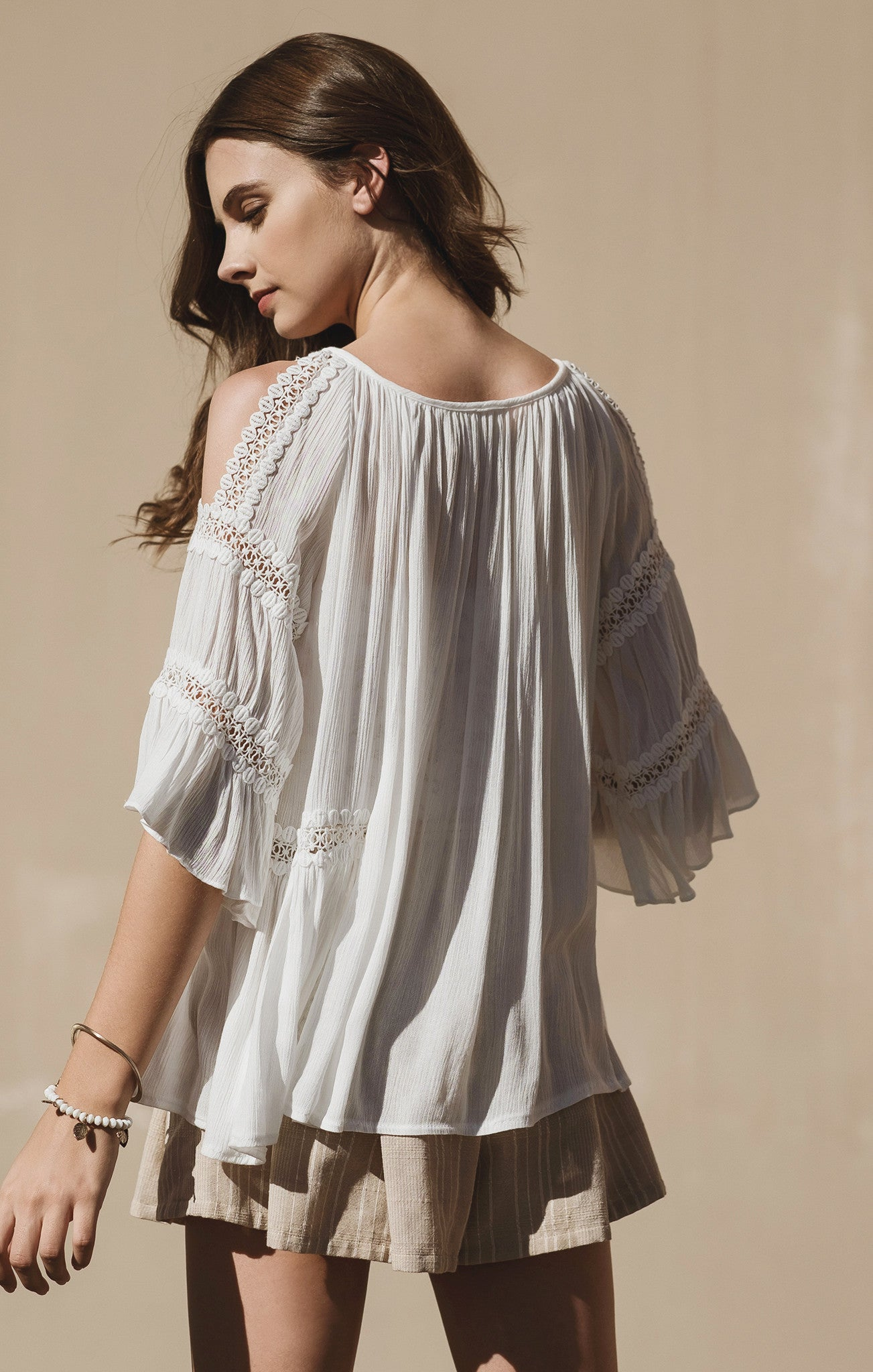 COLD SHOULDER DRAPPERY TOP WITH TRIM