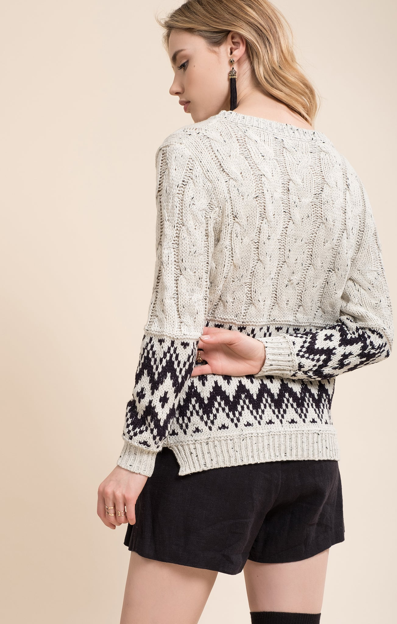 IVORY TRIBAL PATTERN SWEATER TOP