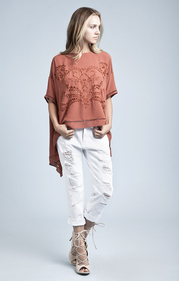 LACE TRIMMED EMBROIDERED TOP