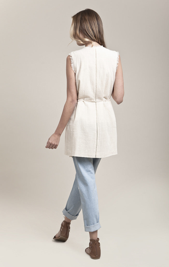 RAW-EDGE SLEEVELESS LINEN JACKET