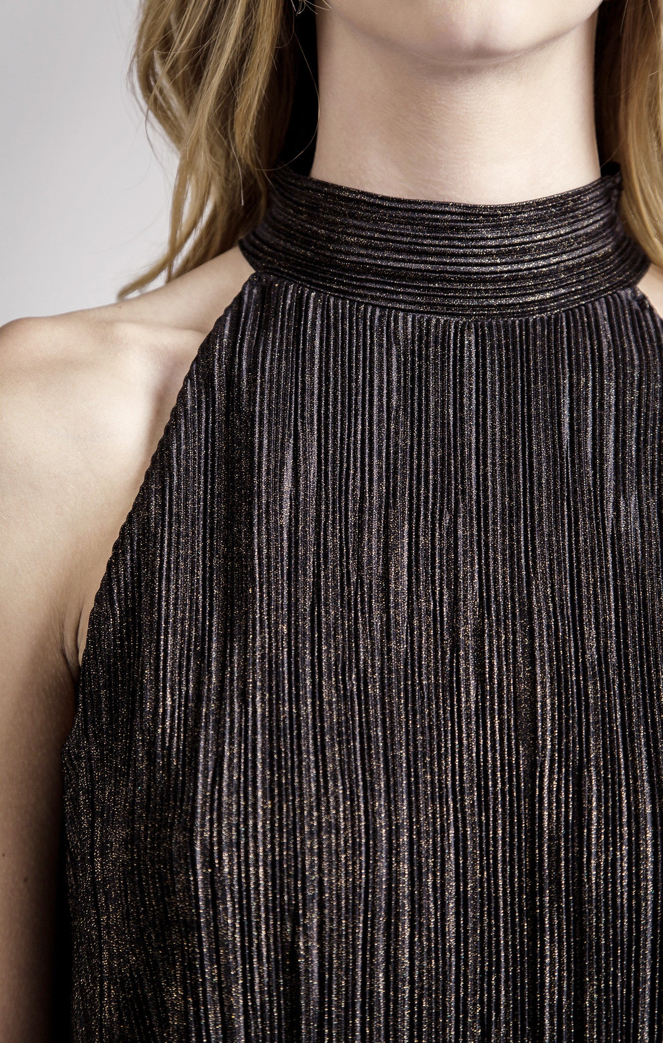 OVERLAP PLEATED TOP