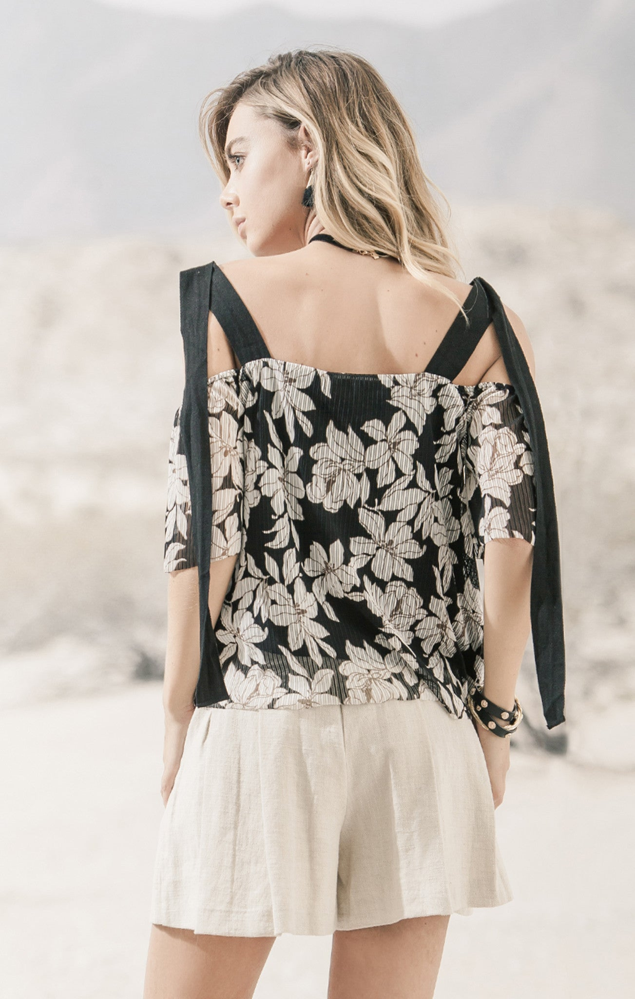 FLORAL PRINT TOP WITH TWILL STRAP