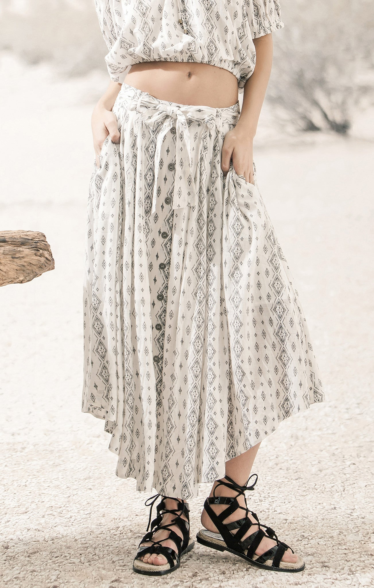 BUTTON UP PRINTED SKIRT
